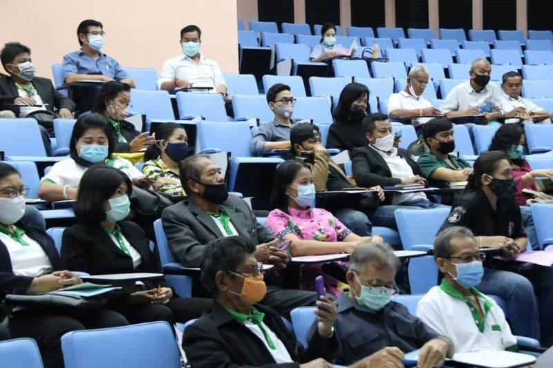 The seminar yesterday was well attended by those looking to grow marijuana for medical and research purposes. Photo: PR Phuket