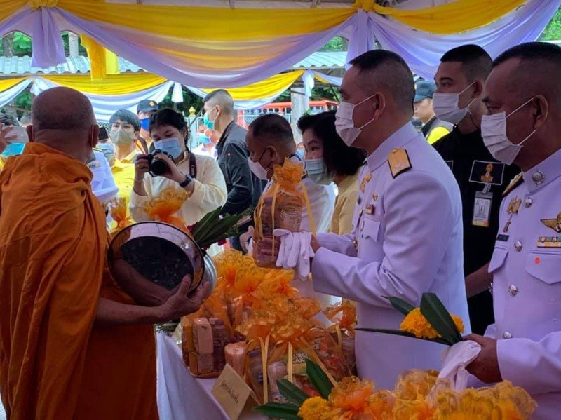 An official memorial service to honour and remember the late King Bhumibol was held at Phuket Provincial Hall this morning (Oct 13). Photo: PR Phuket