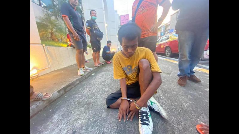 Lookkai Nupeng, 37, was arrested near Phuket Bus Terminal 1 in Phuket Town yesterday evening (Nov 24). Photo: Worapong Yuramhan