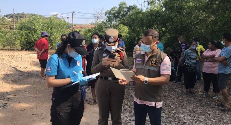 Police investigate at the scene. Photo: Eakkapop Thongtub