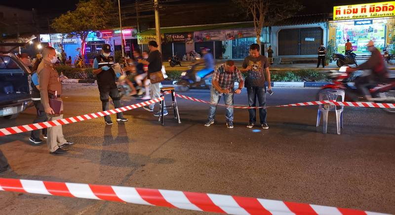 Officers at the scene of the shooting on Feb 19. Photo: Phuket Provincial Police / file