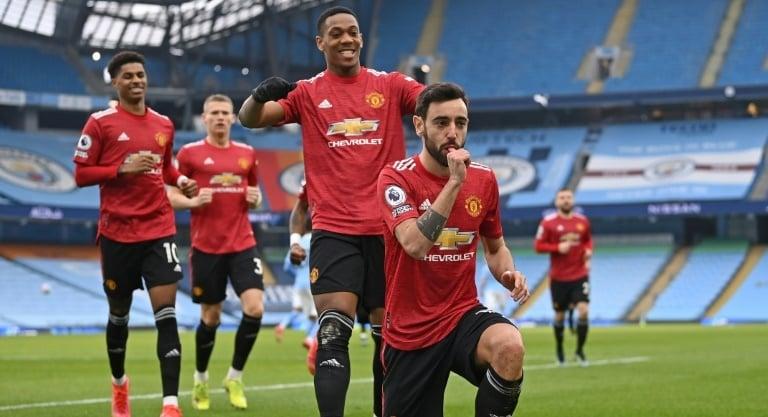 Man Utd shatter City's winning run, Liverpool crisis mounts
