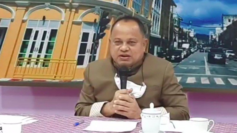 Phuket Governor Narong Woonciew this morning (Mar 24) led a united call for people across Phuket to be vaccinated for COVID-19 so that the island could receive foreign tourists from July 1. Screenshot: PR Phuket