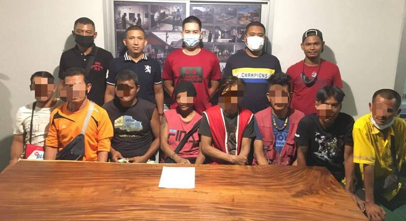 Eight arrested for Phuket Town car park scam