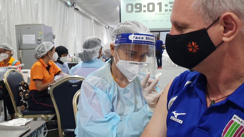 Vaccinations of expats in Phuket will continue, DEPA chief for Southern Thailand assured. Photo: The Phuket News / file
