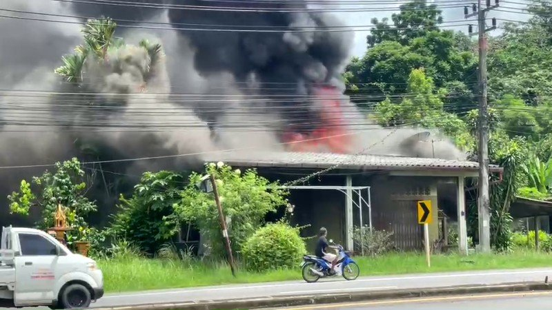 Short circuit blamed for house fire in Pa Khlok