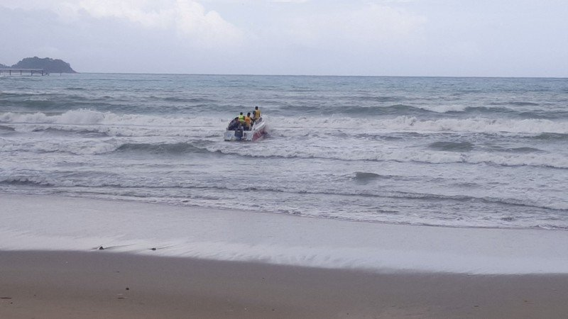 A search team departs the beach this morning to scour the waters offshore. Photo: Patong Surf Life Saving