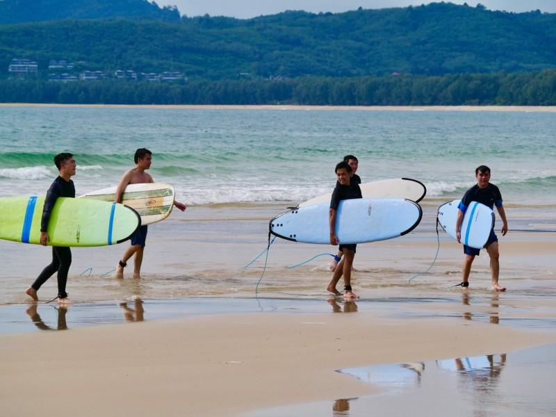 Beginner Class. Photo: Talay Surf