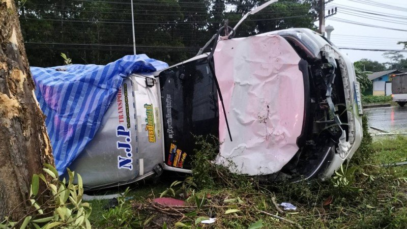 Delivery driver escapes with scratches after wipeout in Mai Khao