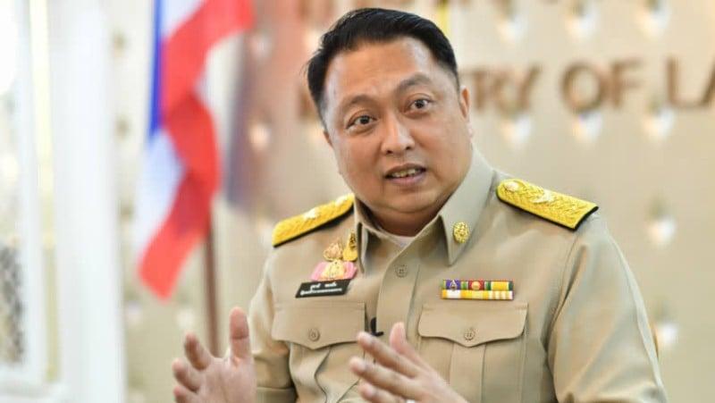 Government prepares to recruit Thais to address labour shortage