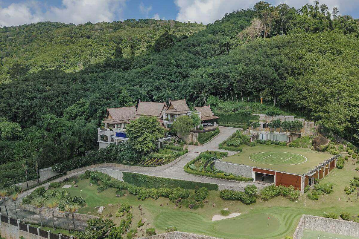 8 Bedroom Luxury Pool Villa Esate wtih Helipad & Tennis Court for Sale in Nai Harn, Phuket